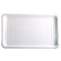 Amplio surtido de tamaños en bandejas rectangulares blancas para pastelería.